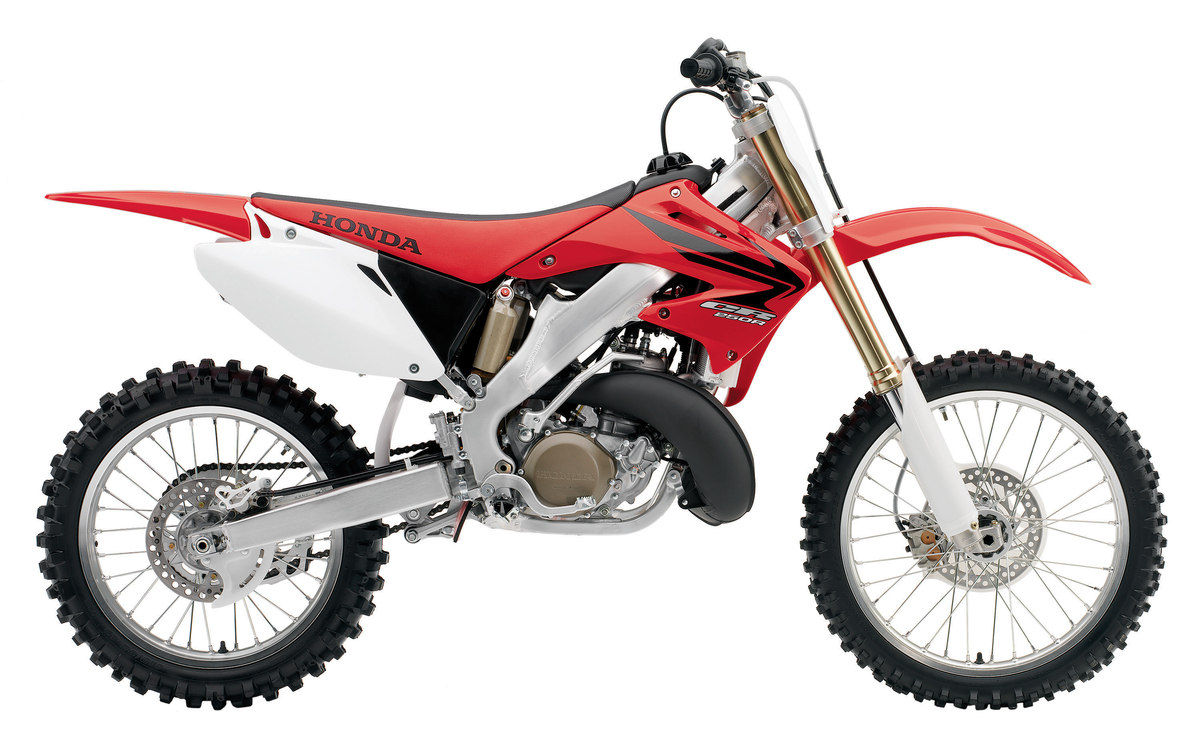 honda 39 s greatest bike the cr250r two stroke dirt bike. Black Bedroom Furniture Sets. Home Design Ideas