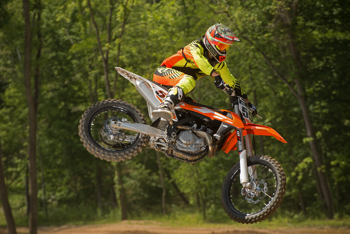 first ride ktm xc f sx f for 2016 dirt bike magazine. Black Bedroom Furniture Sets. Home Design Ideas
