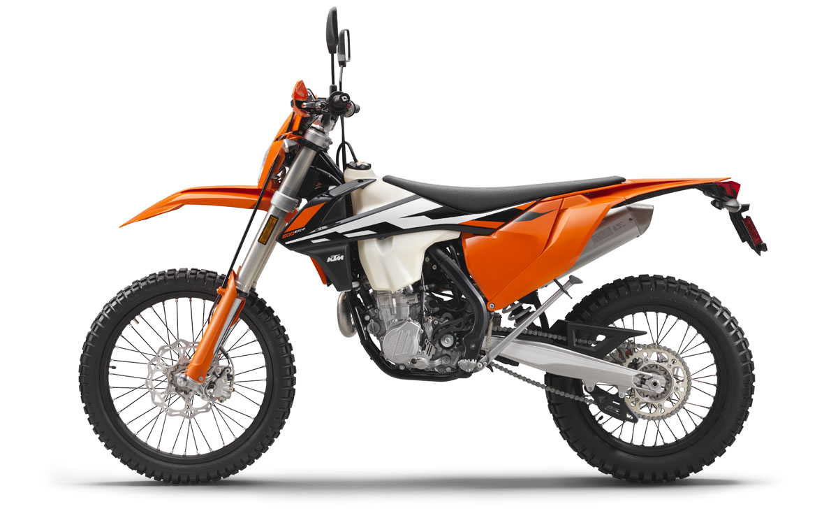 143926 KTM 500 EXC USA 90degree Left MY 2017 Studioweb