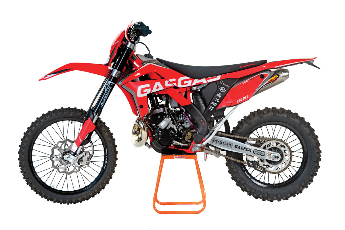 2017 2-STROKE BUYER S GUIDE  fbe3086aa63