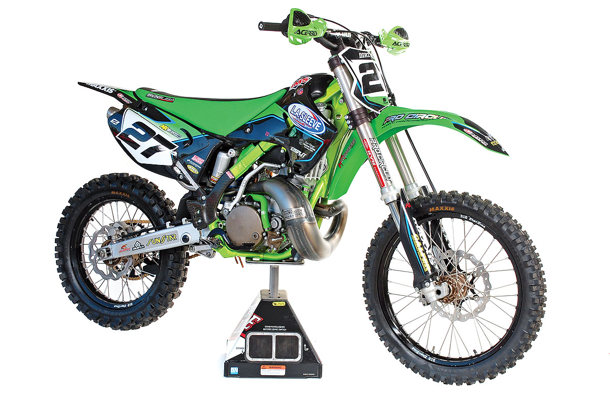 KAWASAKI KX250 TWO-STROKE REBUILD | Dirt Bike Magazine