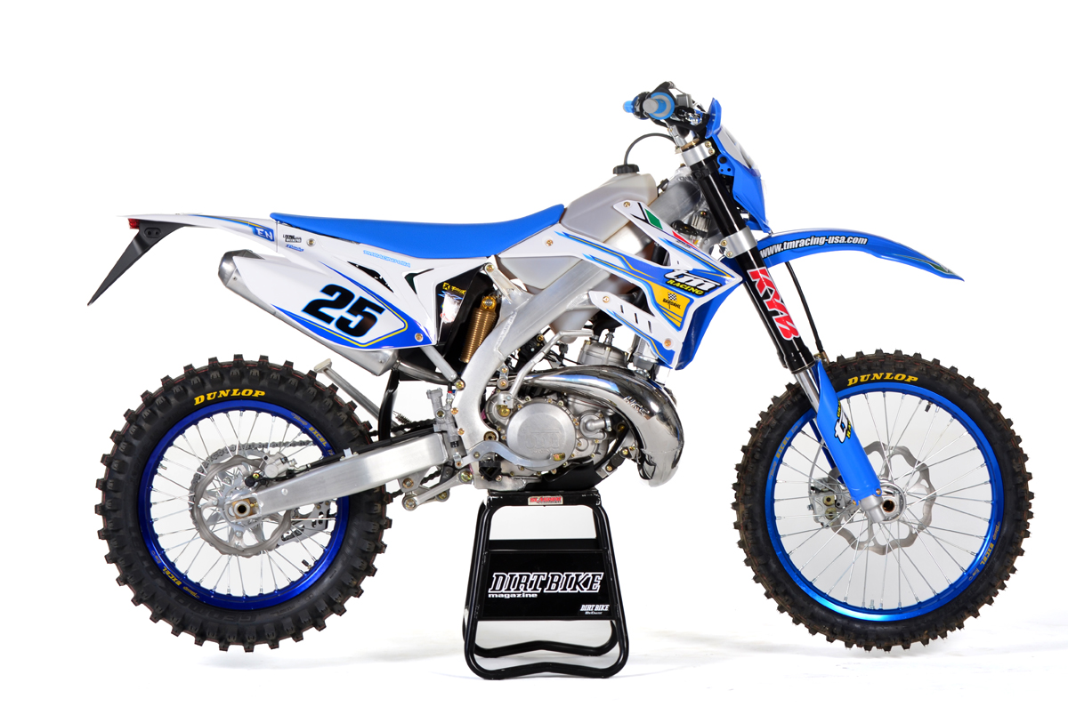 The 300 two-stroke is more familiar to us. It has evolved gradually over  the years and now has an electronic power valve. The carburetor is still a  Keihin.