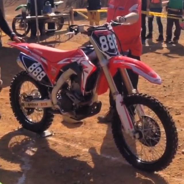 SPY PHOTOS : ALL NEW HONDA CRF250R | Dirt Bike Magazine