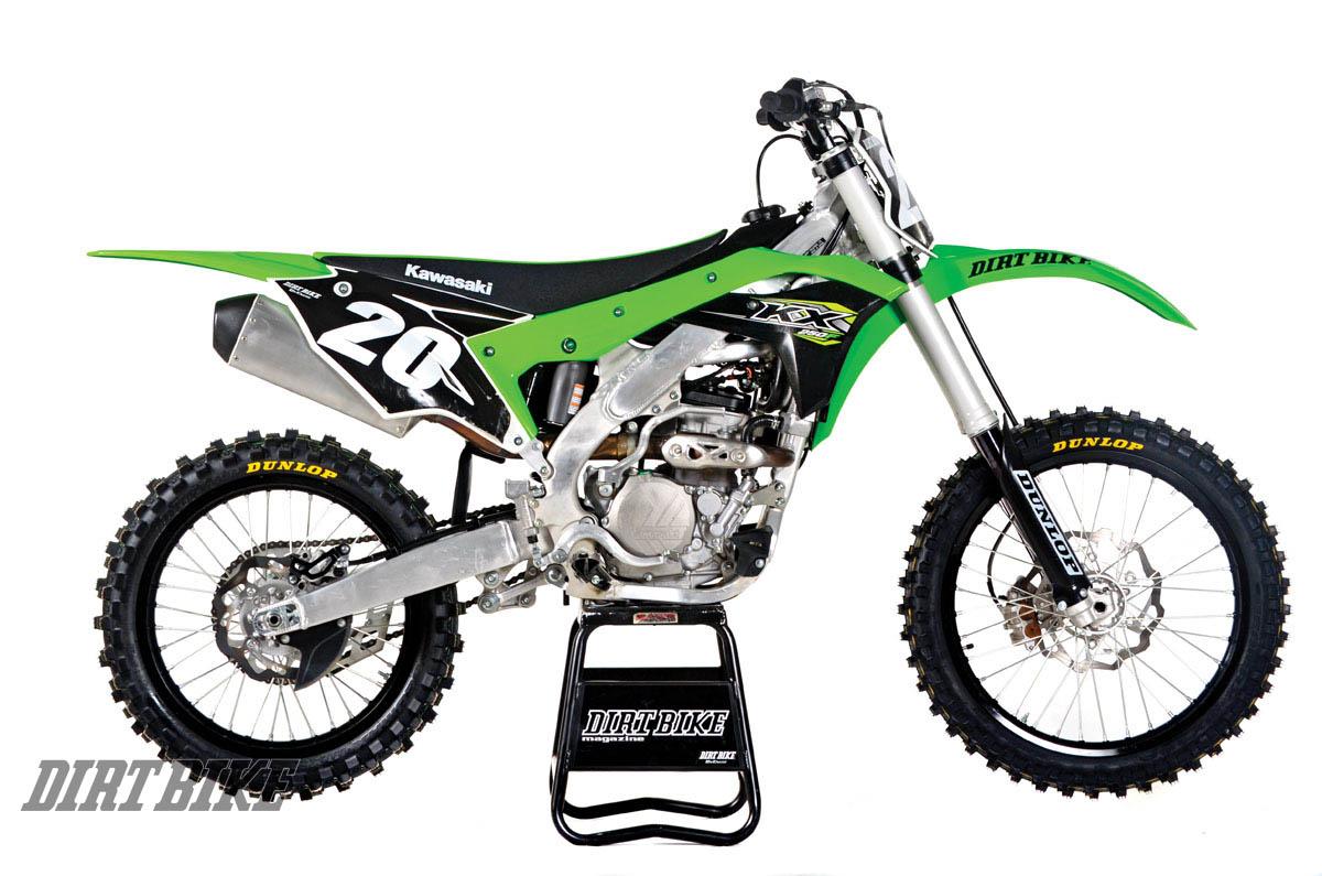 comparing the 2018 crf250r fc250 kx250f 250sx f rmz250 and yz250f rh dirtbikemagazine com 2014 Yamaha 250F 2014 Kawasaki KX250F Launch