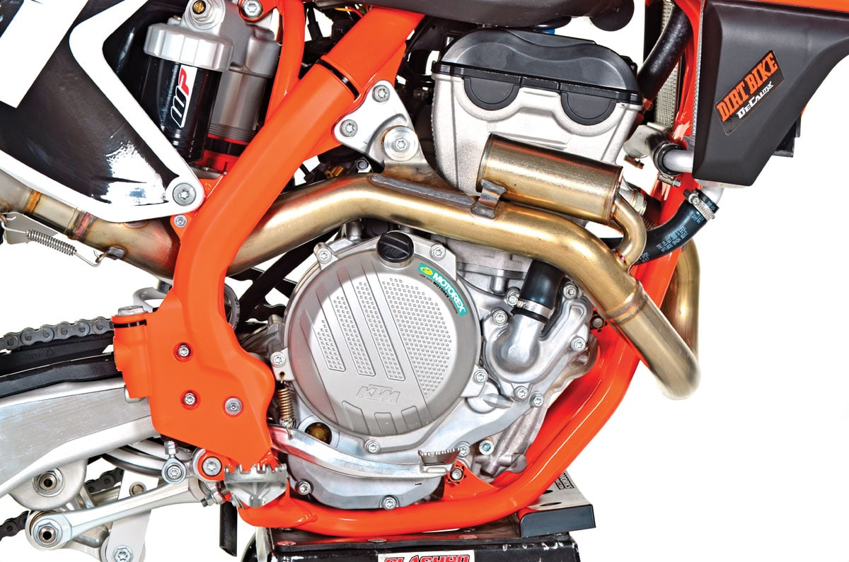 Ktm 250sx f full test dirt bike magazine ups excellent top end power wide powerband lightest in class powerful brakes improved battery excellent feeling hydraulic clutch ccuart Gallery