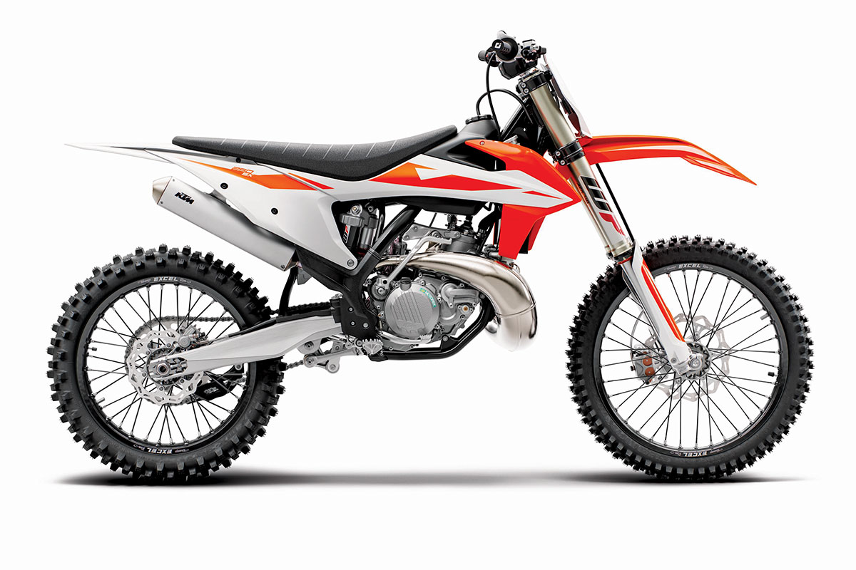 2019 2-STROKE BUYER'S GUIDE | Dirt Bike Magazine