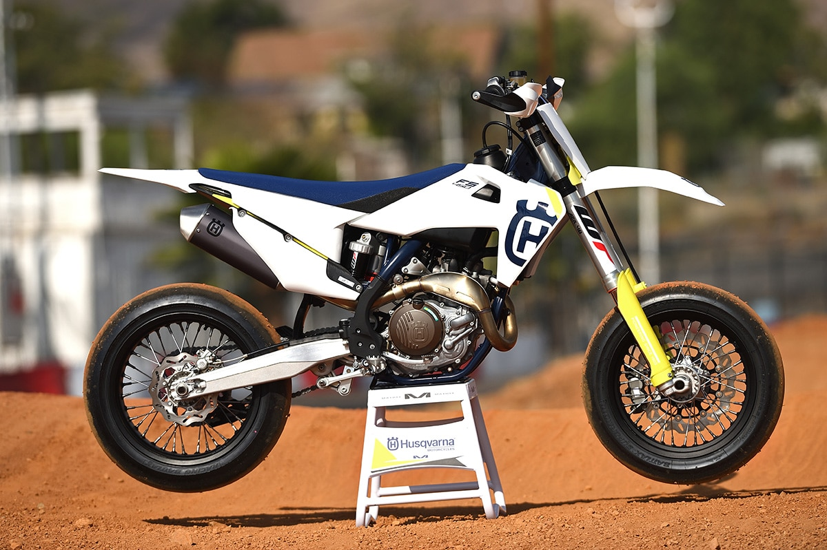 Yamaha 125 Dirt Bike Supermotard 1970 Honda The Husqvarna Is A Production Supermoto Based On Motocrosser 1200x799