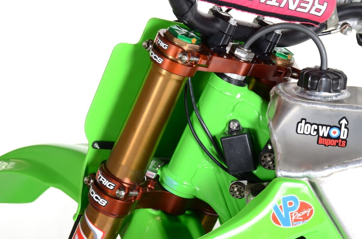 TYLER BOWERS' KAWASAKI KX500 BUILD: TWO-STROKE TUESDAY | Dirt Bike